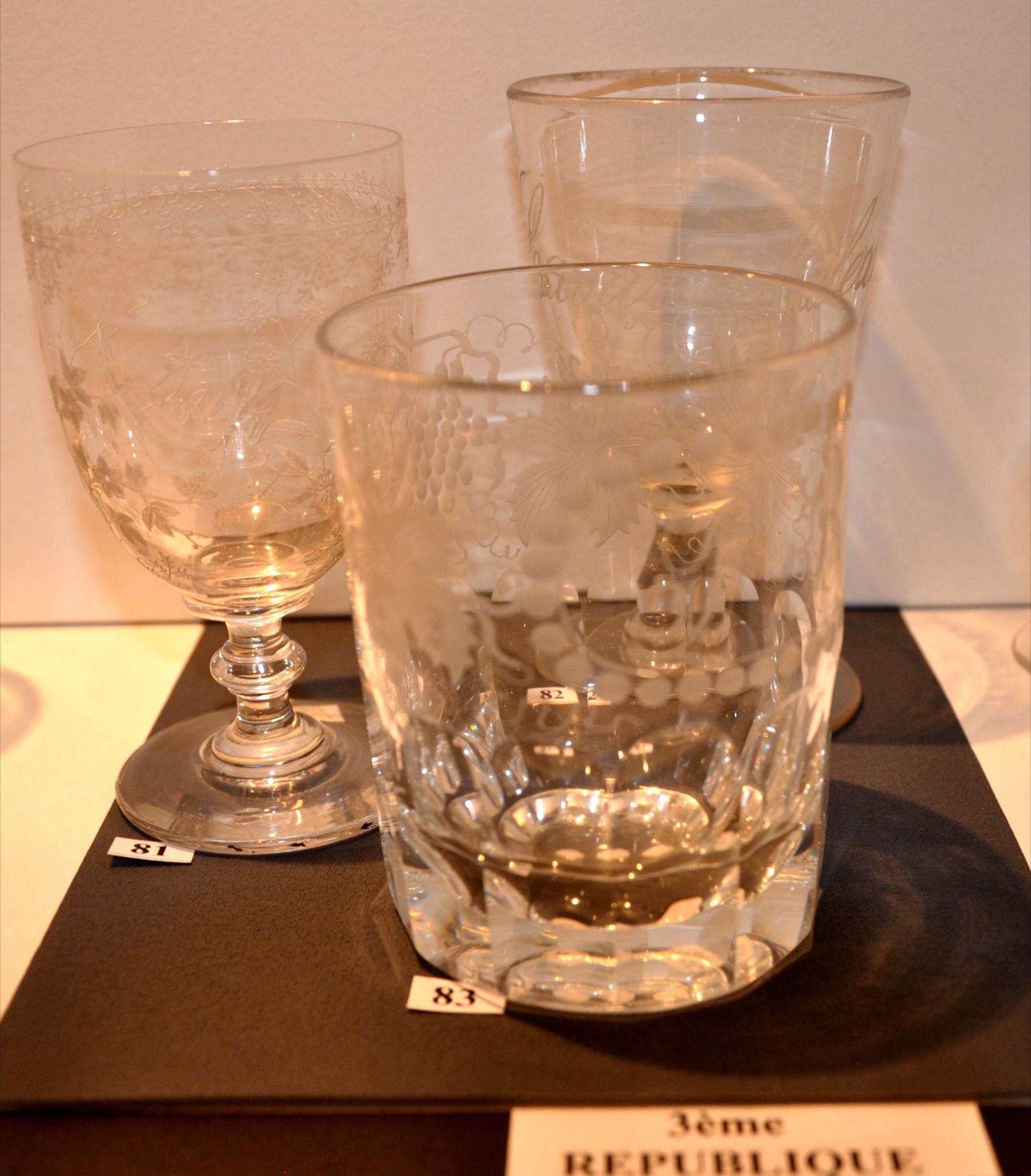 le verre boire fran ais du mus e du verre de sor ze de 1650 1900 mus e du verre de sor ze. Black Bedroom Furniture Sets. Home Design Ideas